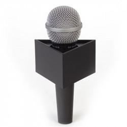 "Benchmark T300200B Portalogo ""Micflag"" Negro Triangular para Micrófono de mano 7,62cm x 5,08cm"