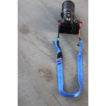 LeftRight3 Correa de cuello para cámaras de color Negra con puntos Azules