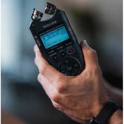 Tascam DR-40X Grabador Portátil 4 tracks 2 XLR + 2 mics e interfaz de audio USB