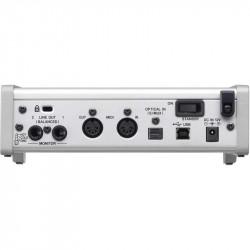 Tascam SERIE 102i  Interfaz USB 2.0 Analógico / Digital: 10 entradas