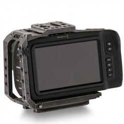 Blackmagic Design Pocket 6K (EF) con Tilta Half Cage