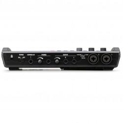 Zoom ZR8 Grabadora : Interfaz : Controlador 8 pistas