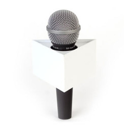"Benchmark T400225W Portalogo ""Micflag"" Blanco Triangular para Micrófono de mano 10,16cm x 5,70cm"